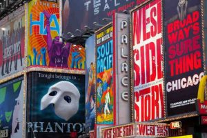 What Should One Consider Wearing In Broadway Show In New York? Easy Styling Tips for Beginners!!